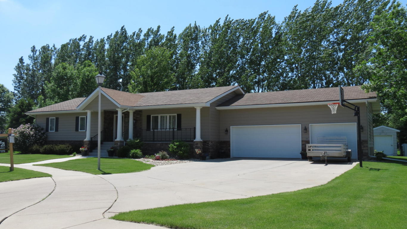 Real Estate for Sale, ListingId: 32840483, Aberdeen,SD57401