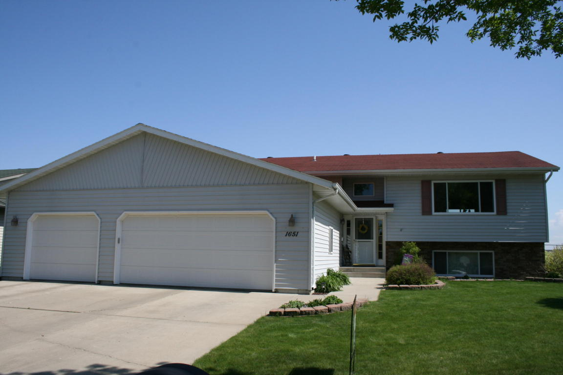 Real Estate for Sale, ListingId: 31436543, Aberdeen,SD57401