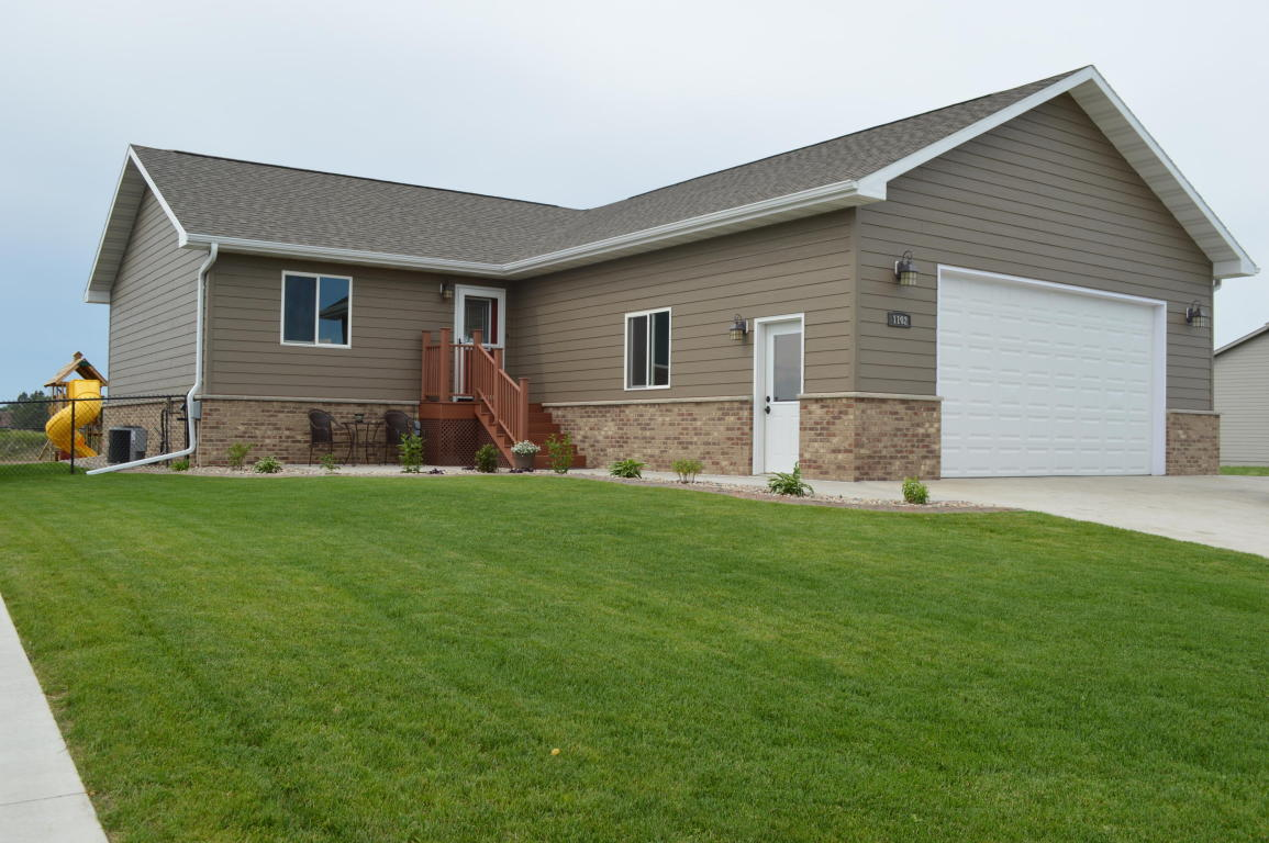 Real Estate for Sale, ListingId: 33928120, Aberdeen,SD57401
