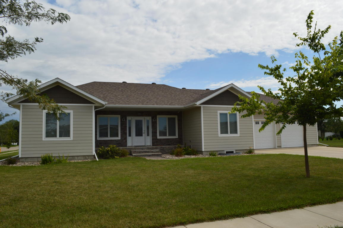 Real Estate for Sale, ListingId: 35317416, Aberdeen,SD57401