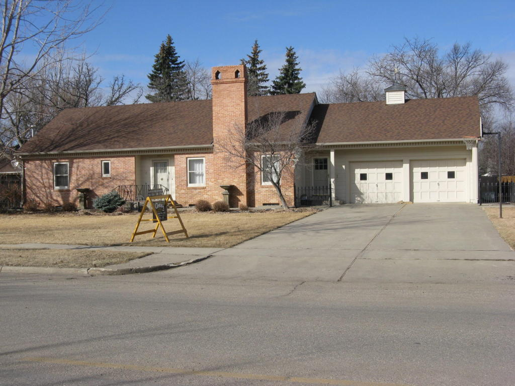 Real Estate for Sale, ListingId: 31989816, Aberdeen,SD57401