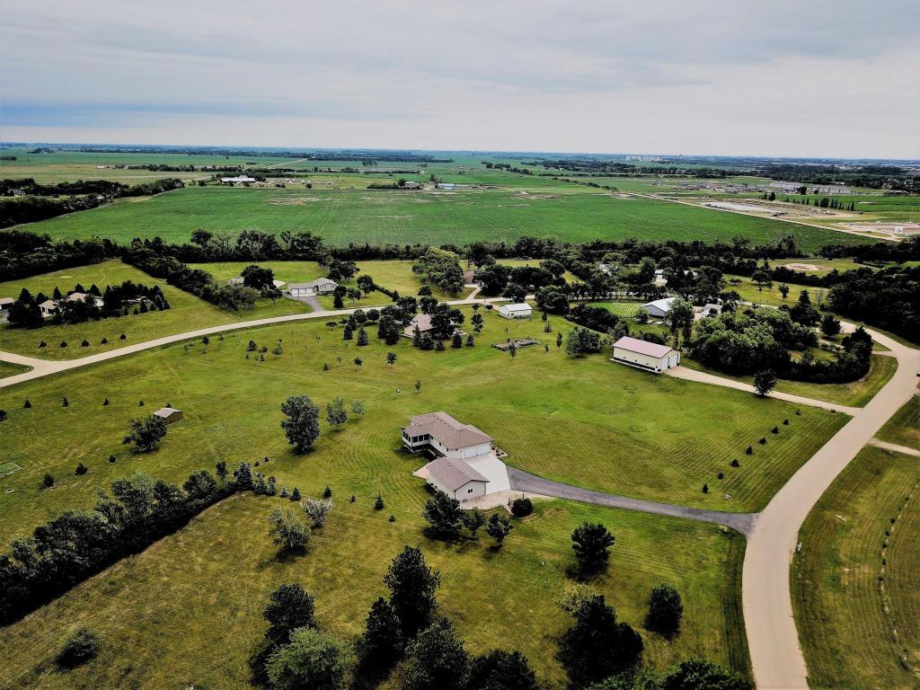 3551 Rolling Meadow Drive Aberdeen, SD 57401