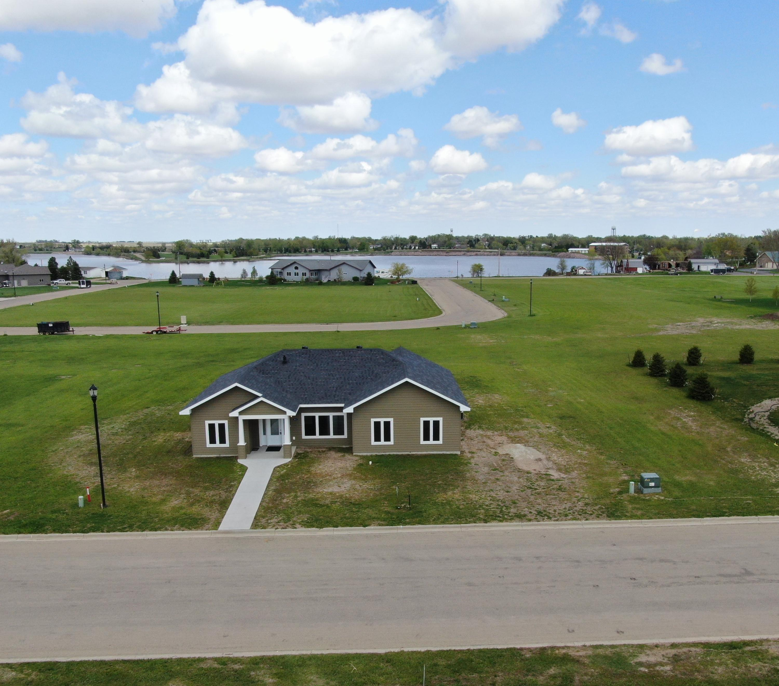 primary photo for 630 W 12th Avenue, Redfield, SD 57469, US