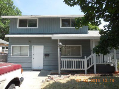 843 S I St, Lakeview, OR 97630