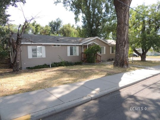 811 N 6th St, Lakeview, OR 97630