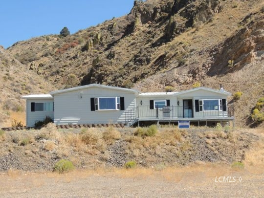 1297 S E St, Lakeview, OR 97630