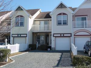 895 Yacht Club Dr, Berlin, MD 21811