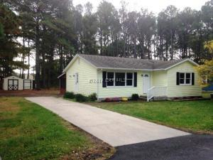 3 Tawes Dr, Crisfield, MD 21817