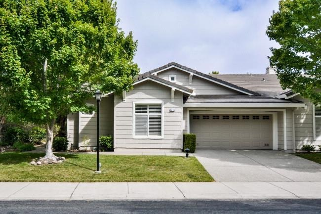 1715 Comstock Dr, Walnut Creek, CA 94595