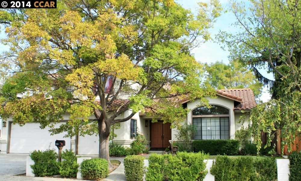 912 Helix Dr, Concord, CA 94518