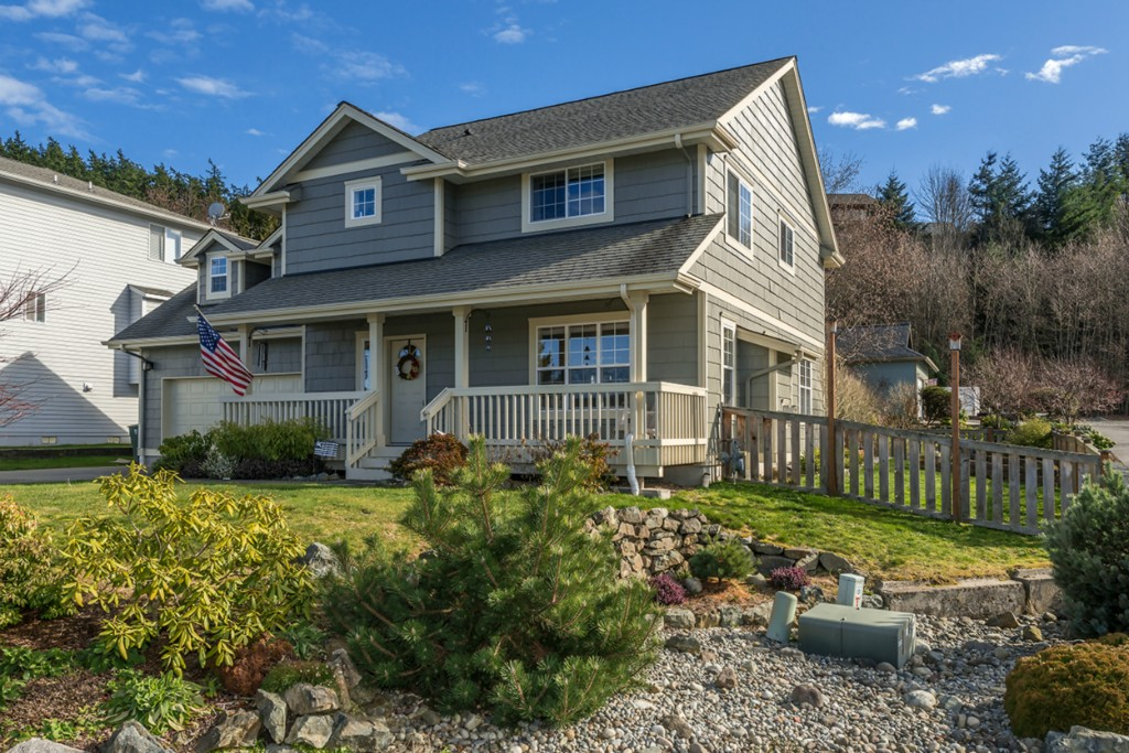 3711 W 8th St, Anacortes, WA 98221