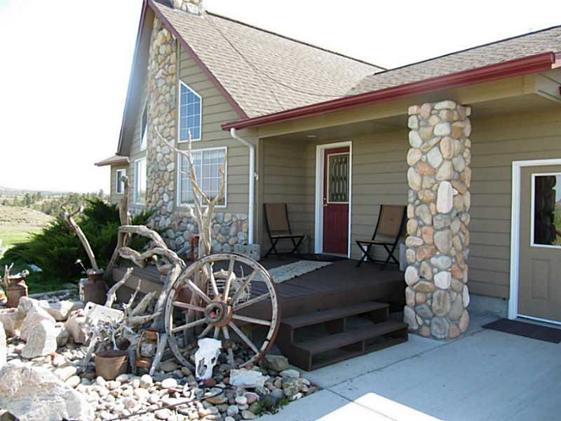 8100 Buffalo Creek Rd, Custer, MT 59024
