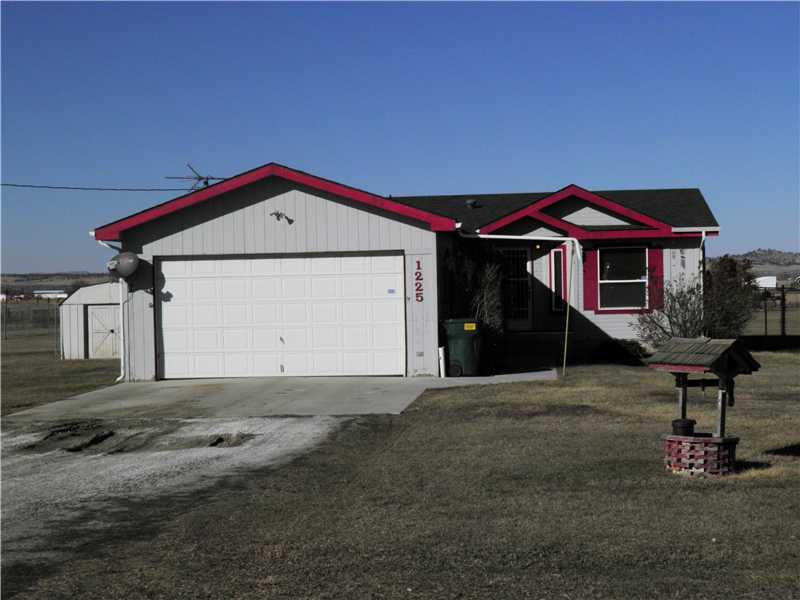 1225 Homestead Dr, Worden, MT 59088