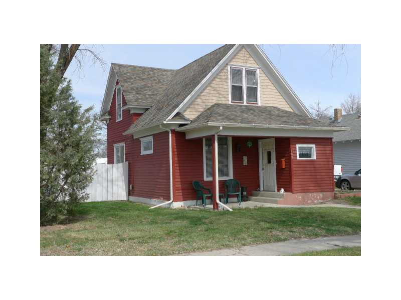 109 E 4th St, Laurel, MT 59044