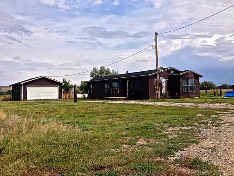 2735 N 21st Rd, Worden, MT 59088