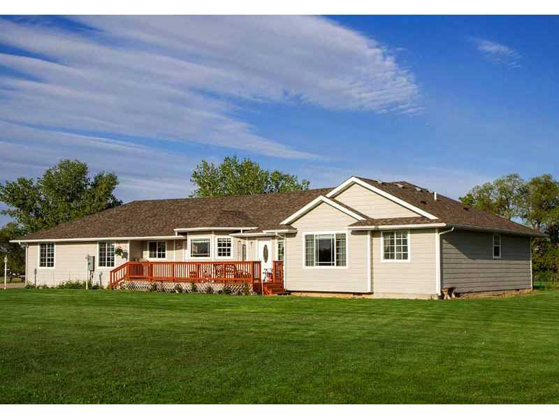 1505 S Canal Cir, Huntley, MT 59037