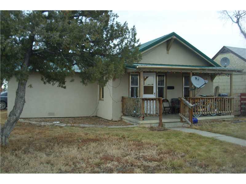 637 W 3rd St, Hardin, MT 59034