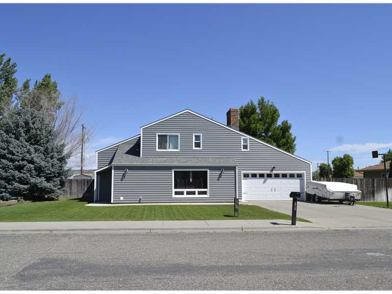 3013 Canyon Dr, Billings, MT 59102