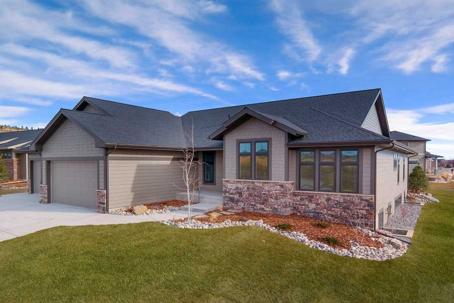 2203 W Hollow Brook Dr, Billings, MT 59106
