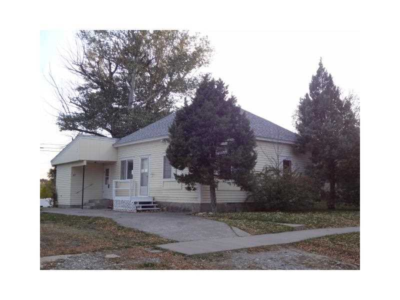 37 E 1st Ave N, Columbus, MT 59019