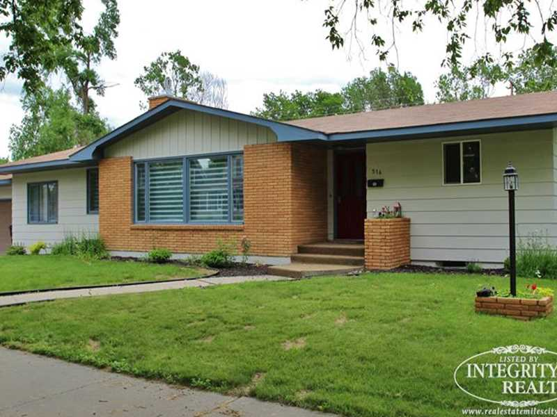 516 S Custer Ave, Miles City, MT 59301