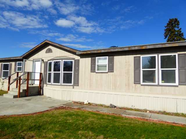 346 E River St, Fromberg, MT 59029
