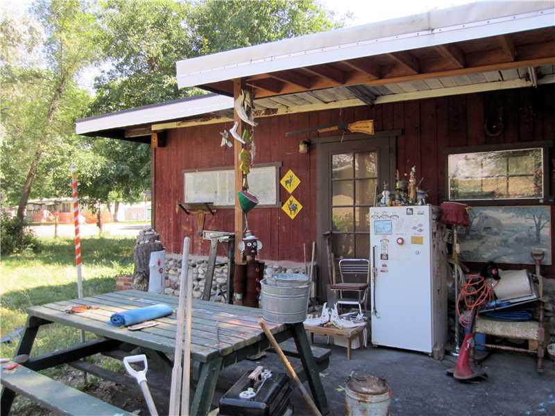 606 Riverside Rd, Billings, MT 59101