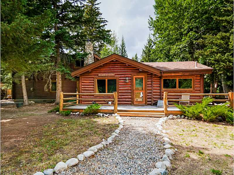 Photo of 447 BULL MOOSE LANE  Red Lodge  MT