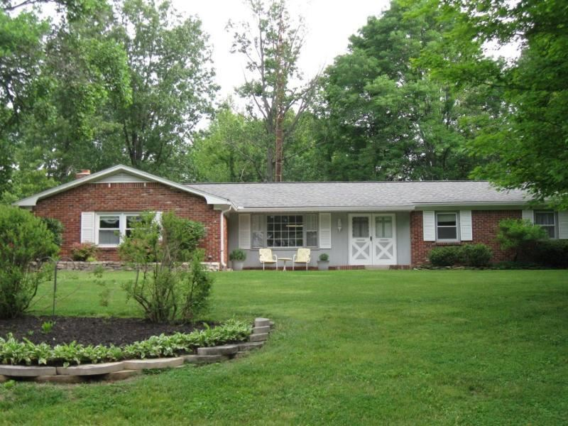 53 S Hill Dr, Bedford, IN 47421