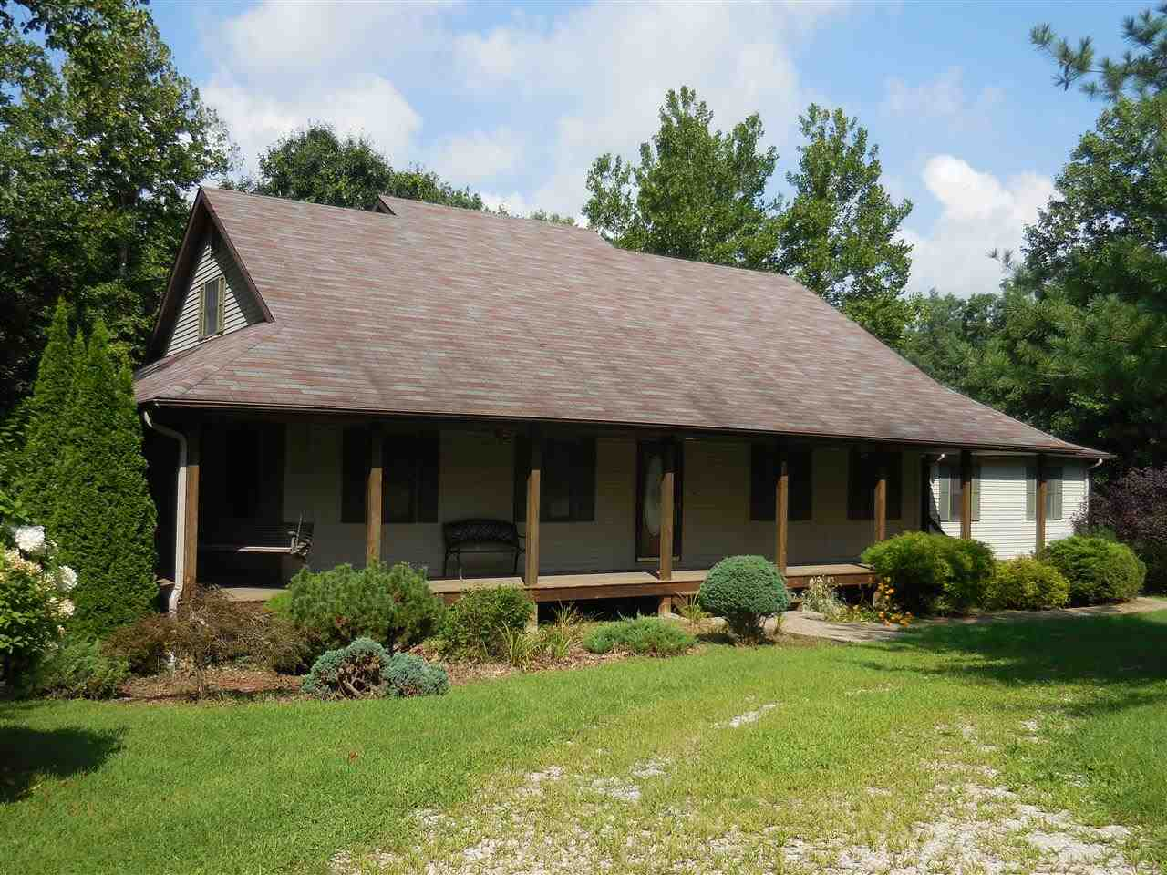 69 Wood Cliff Est Rd, Bedford, IN 47421