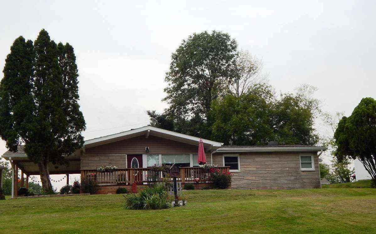 104 Edgewood Dr, Bedford, IN 47421