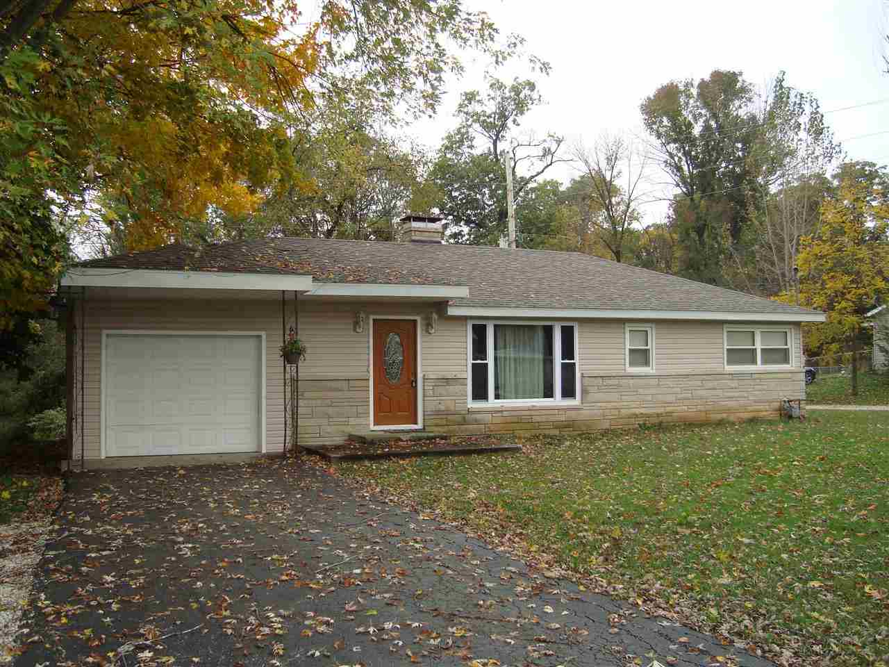 1180 S Meridian Rd, Mitchell, IN 47446