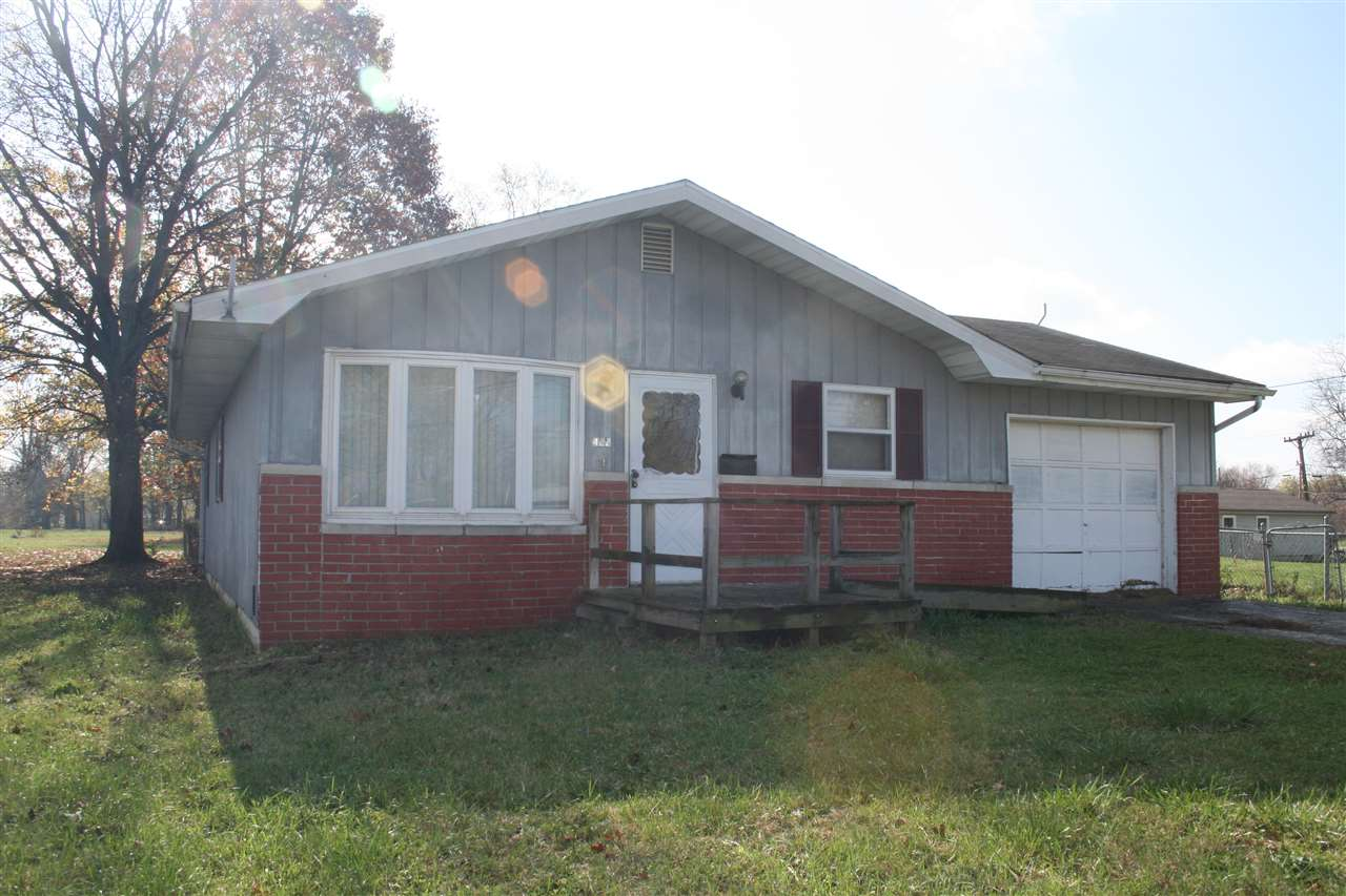 422 Wade St, Mitchell, IN 47446
