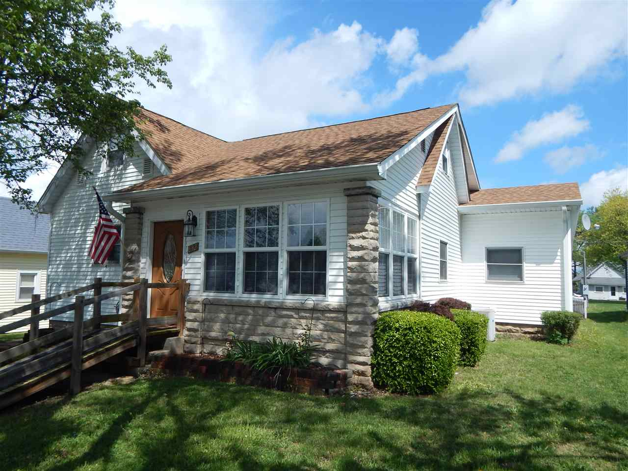 632 Q St, Bedford, IN 47421