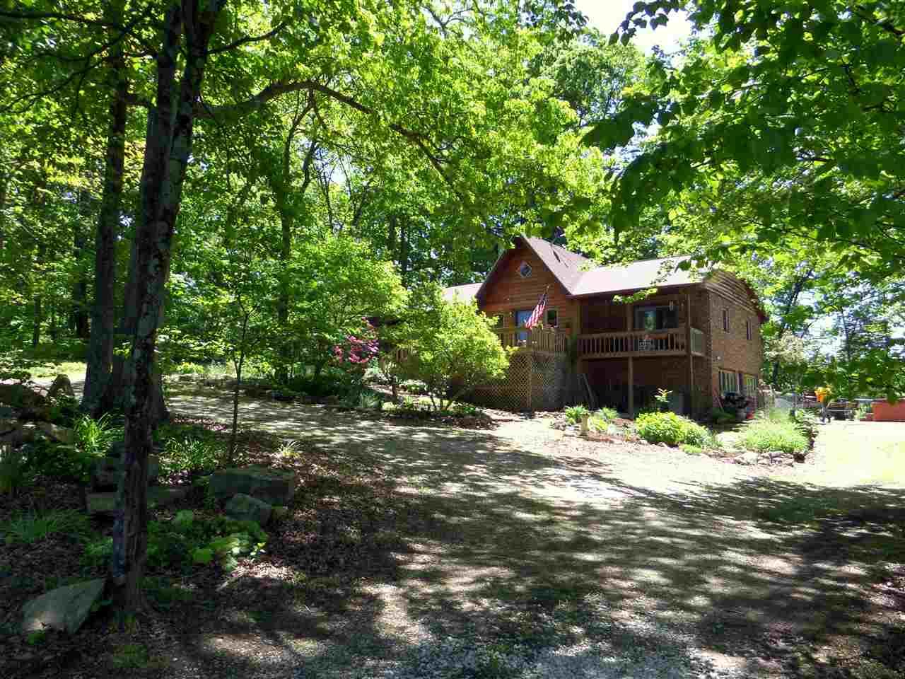 40 Woodland Way, Mitchell, IN 47446