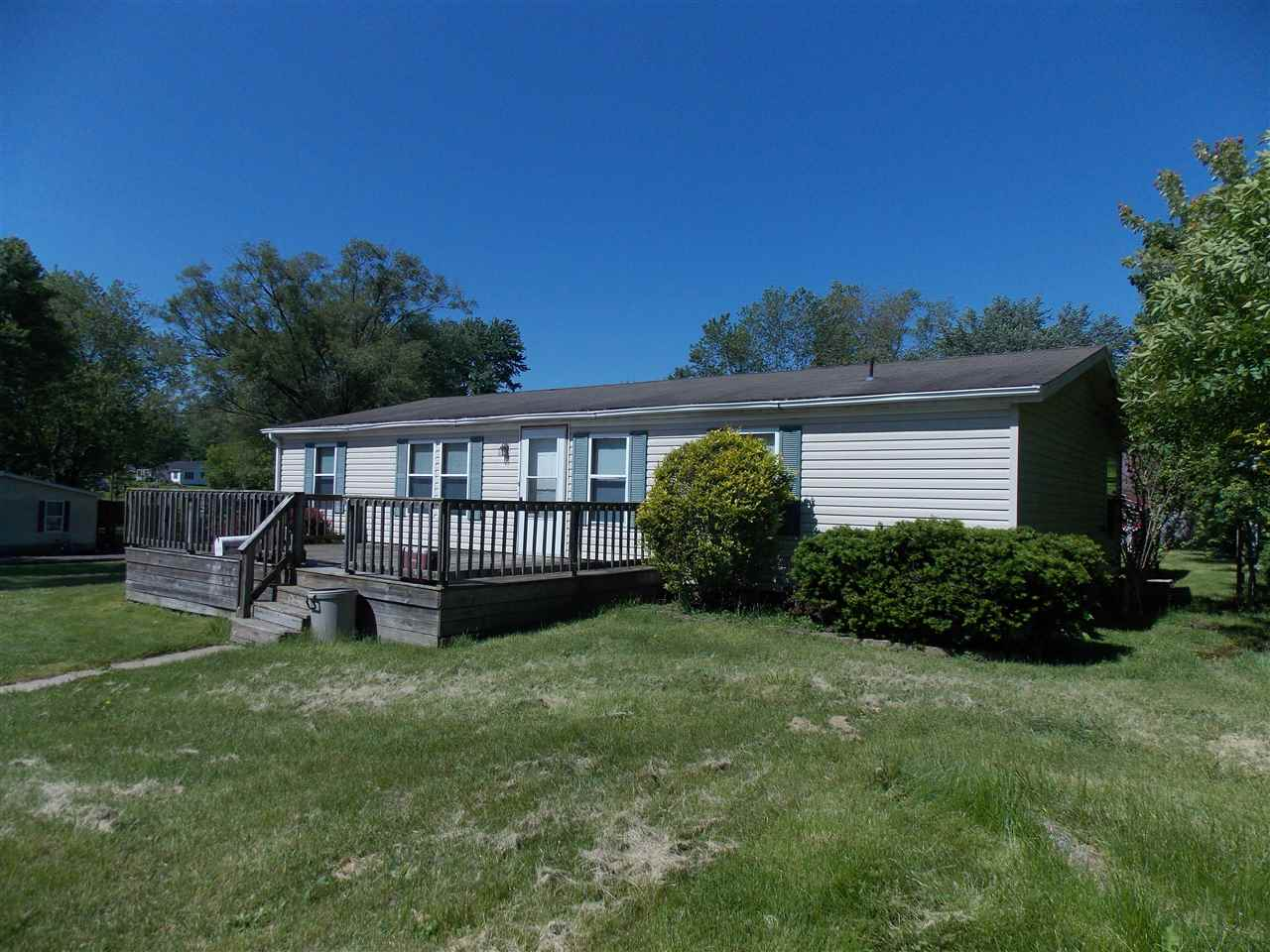 515 S 6th St, Mitchell, IN 47446