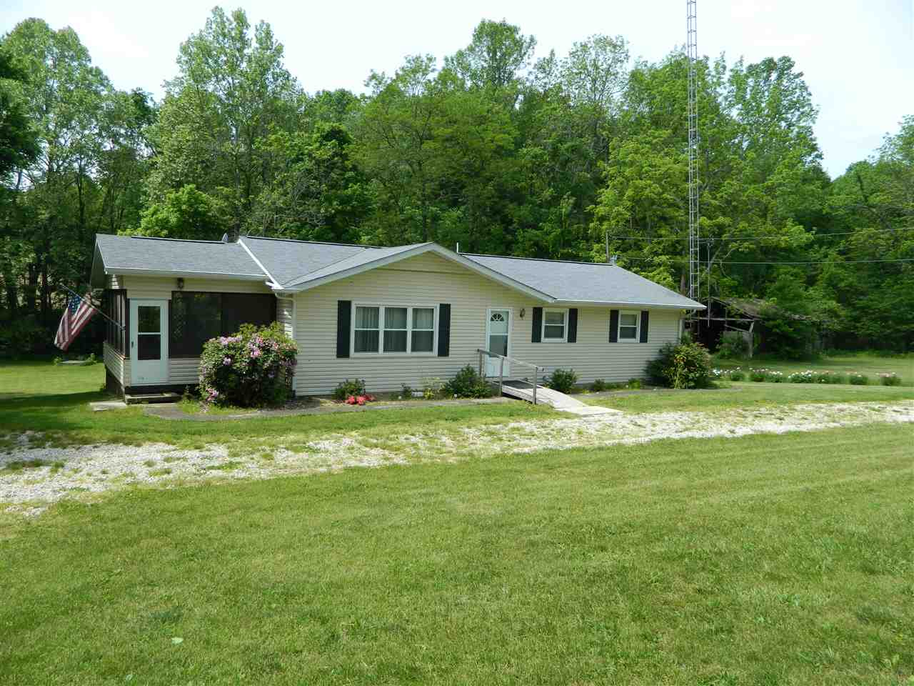 28 Keith Rd, Williams, IN 47470