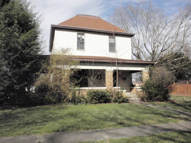 489 S Lincoln St, Orleans, IN 47452