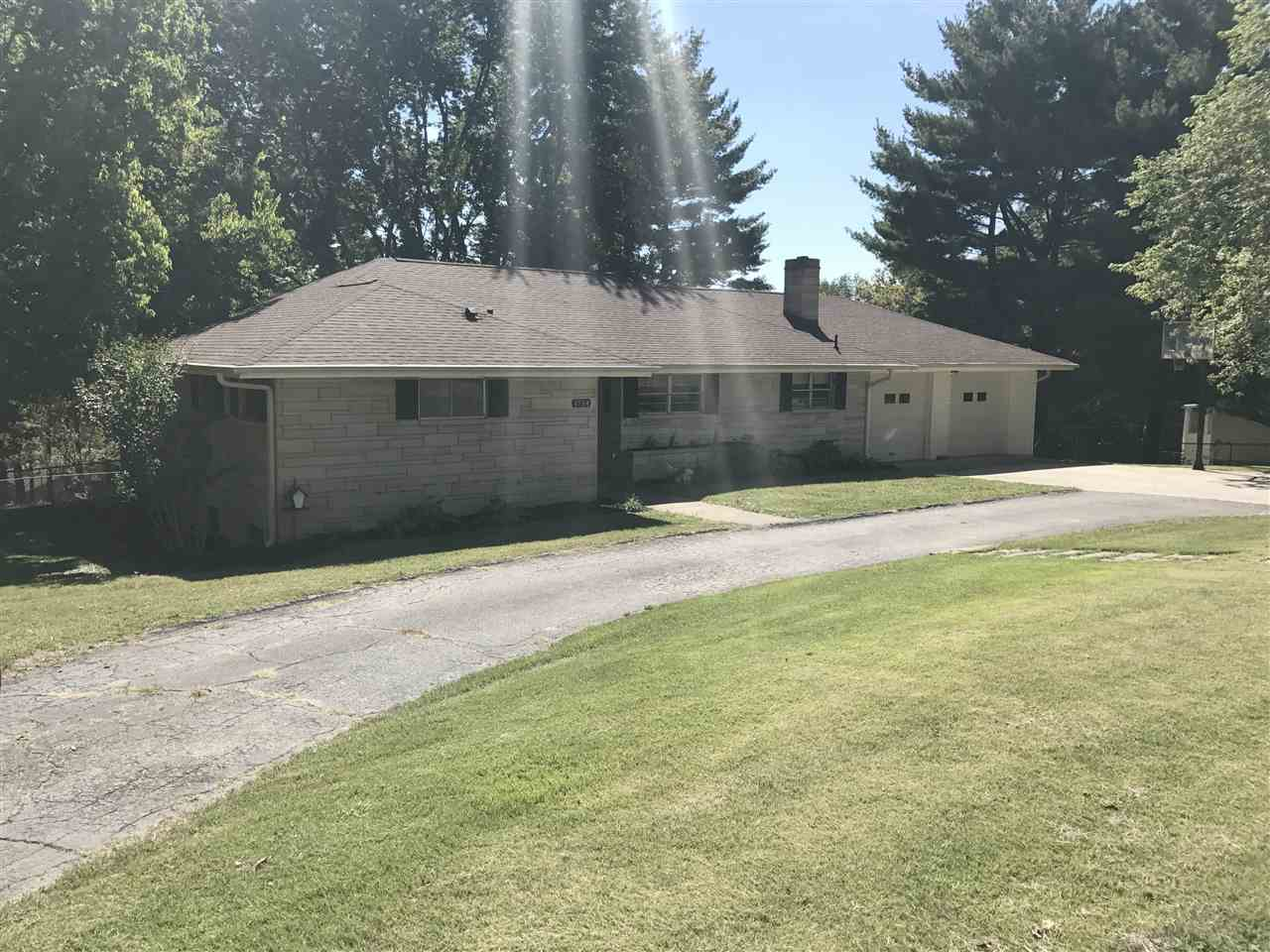 1734 Parkview Dr, Bedford, IN 47421
