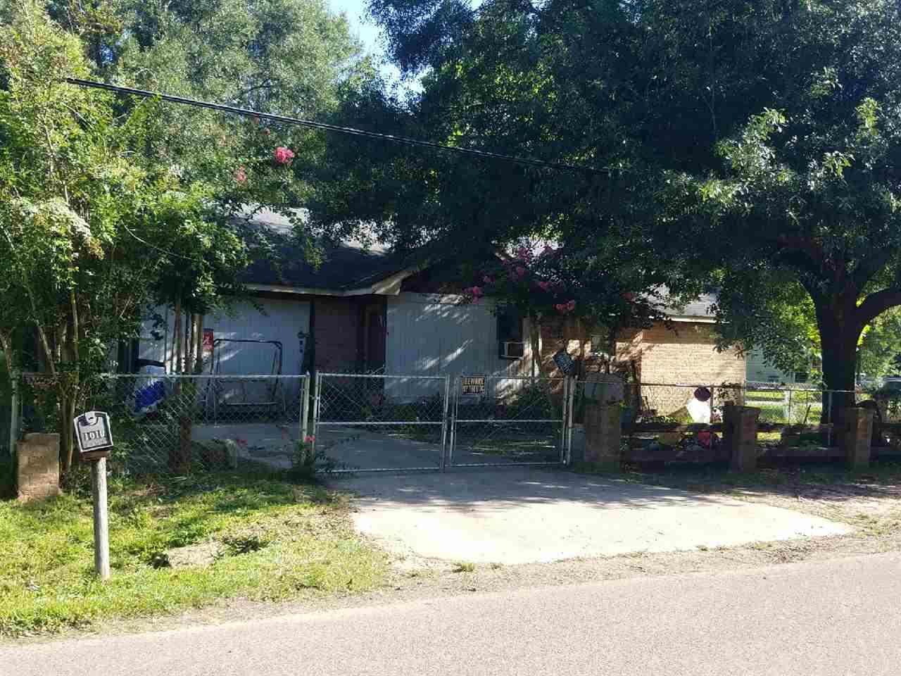 1010 Woodrow St Silsbee, TX 77656