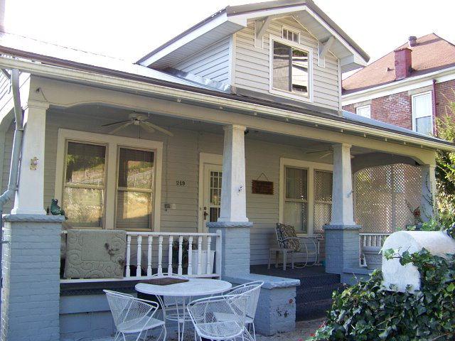 219 W 5th Ave, Williamson, WV 25661