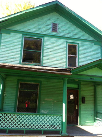 1011 Temple St, Hinton, WV 25951