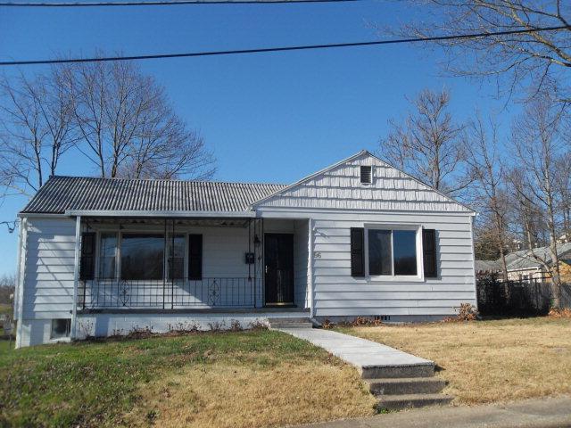 96 Mahan St, Oak Hill, WV 25901