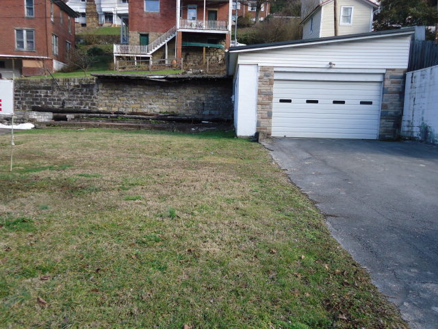 231 Virginia Ave, Welch, WV 24801