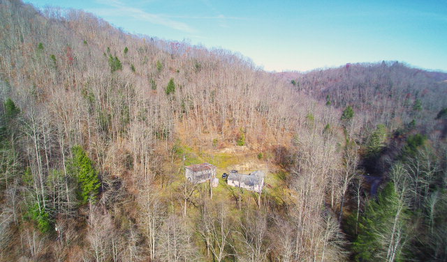 Photo of 695 WHITE OAK HOLLOW ROAD  PINEVILLE  WV