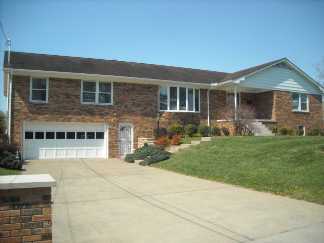 412 Orchard Ave, Beckley, WV 25801