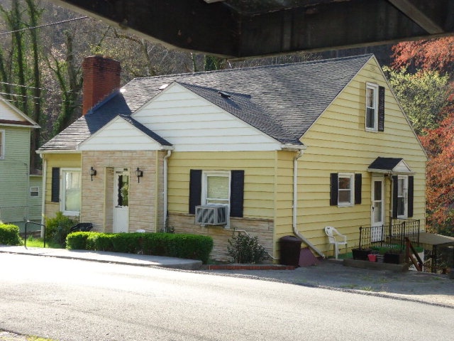 127 Summers St, Welch, WV 24801