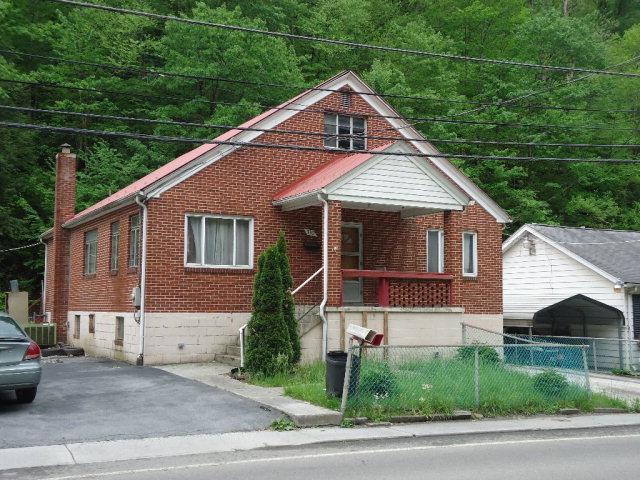 390 Stewart St, Welch, WV 24801
