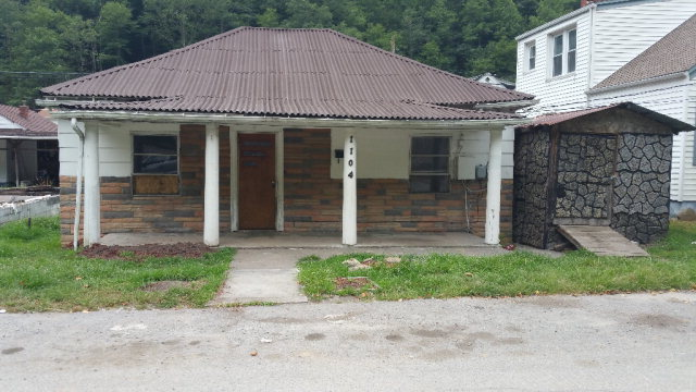 Photo of 1104 JOHNSON AVENUE  MULLENS  WV