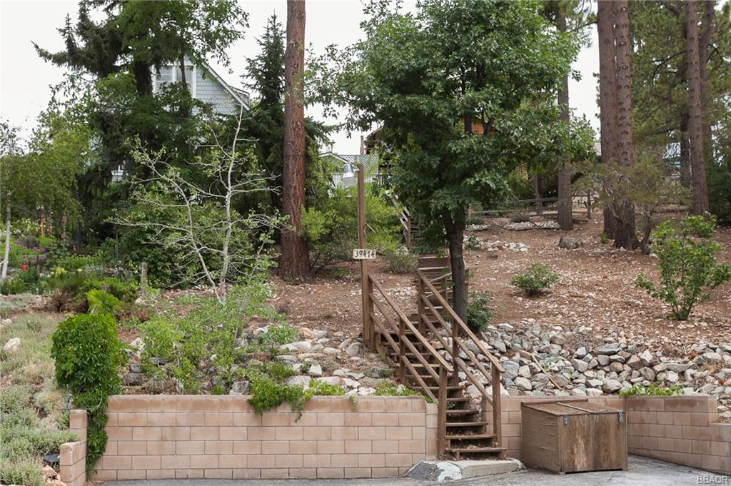 Photo of 39474 Clinemiller Place  Fawnskin  CA